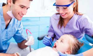 Вытолкнет ли постоянный зуб при прорезывании осколок молочного зуба?