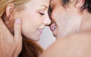 Как целоваться с брекетами: удобно ли это делать или мешают?